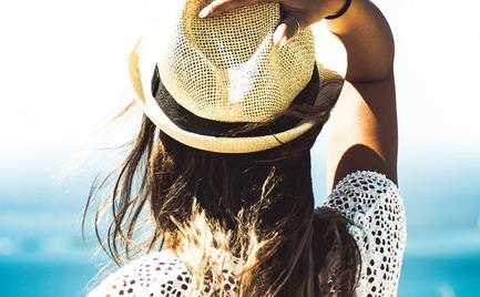 Έξυπνα και όμορφα χτενίσματα για τις ζεστές ημέρες του καλοκαιριού
