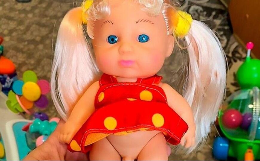 Αγόρασαν κούκλα και είδαν ότι είχε... πέος