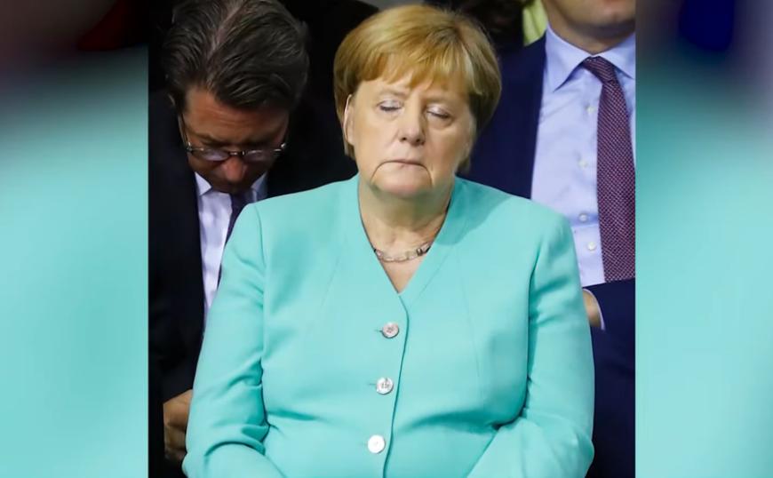 Ανησυχία ξανά για Μέρκελ: Δεν μπορούσε να κρατήσει ανοιχτά τα μάτια της (video)