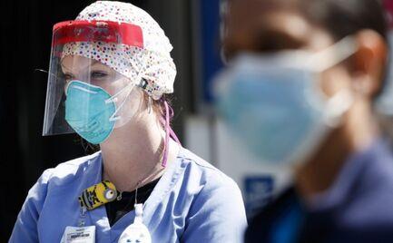 Βρετανοί γιατροί: «Ενηλικιωθείτε, βγάλτε το σκασμό, βάλτε τη μάσκα!»