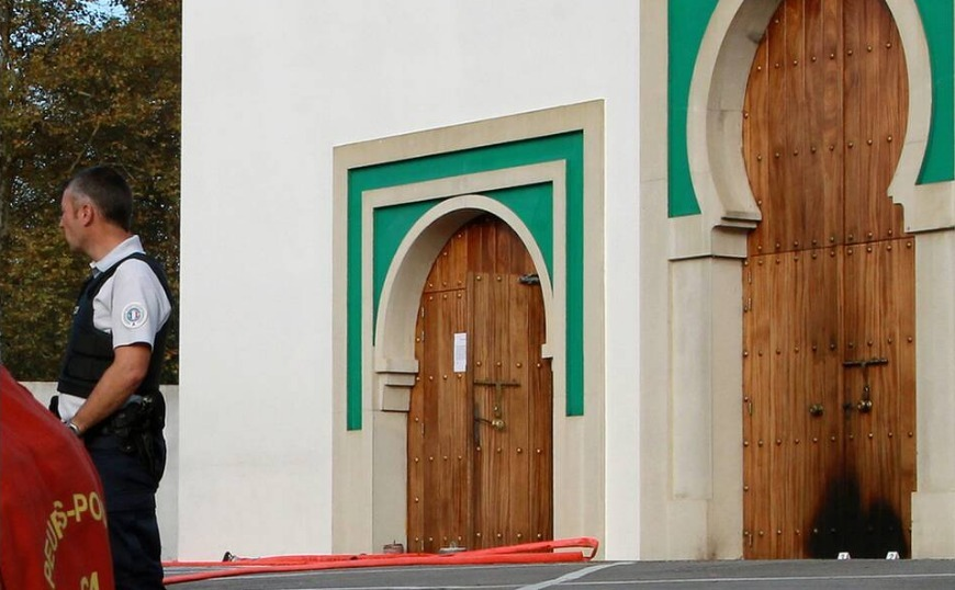 Γαλλία: «Εκδίκηση για την Παναγία των Παρισίων» η επίθεση του 84χρονου σε τζαμί