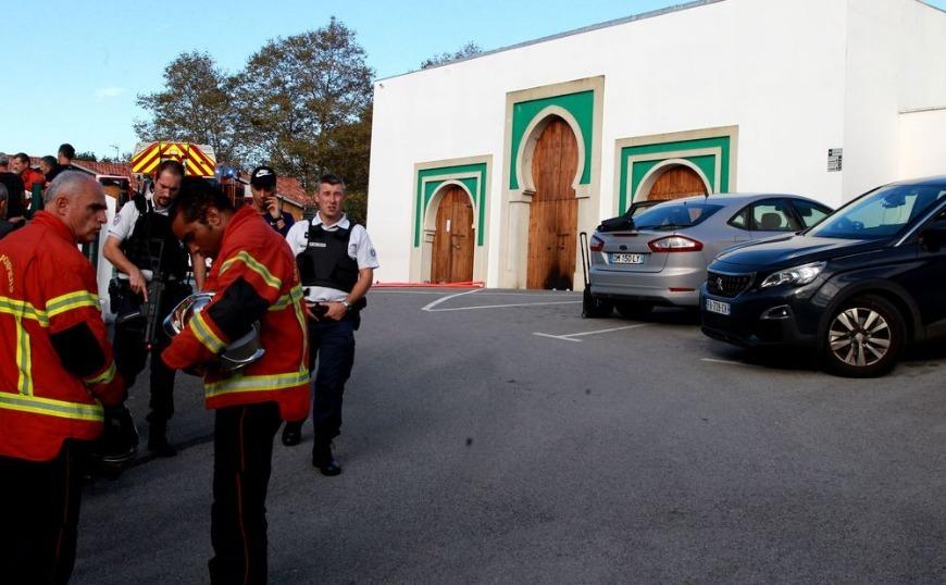 Γαλλία: Ηλικιωμένος ακροδεξιός άνοιξε πυρ έξω από τζαμί