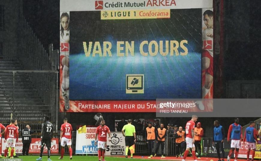 Γαλλία Ligue 1: Περίμεναν το VAR για επτά λεπτά!
