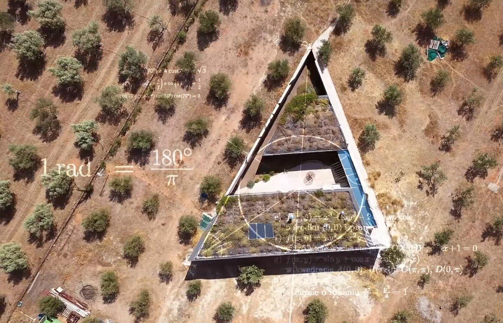 Δείτε το Τρίγωνο Σπίτι που στηρίζεται στο Πυθαγόρειο θεώρημα!