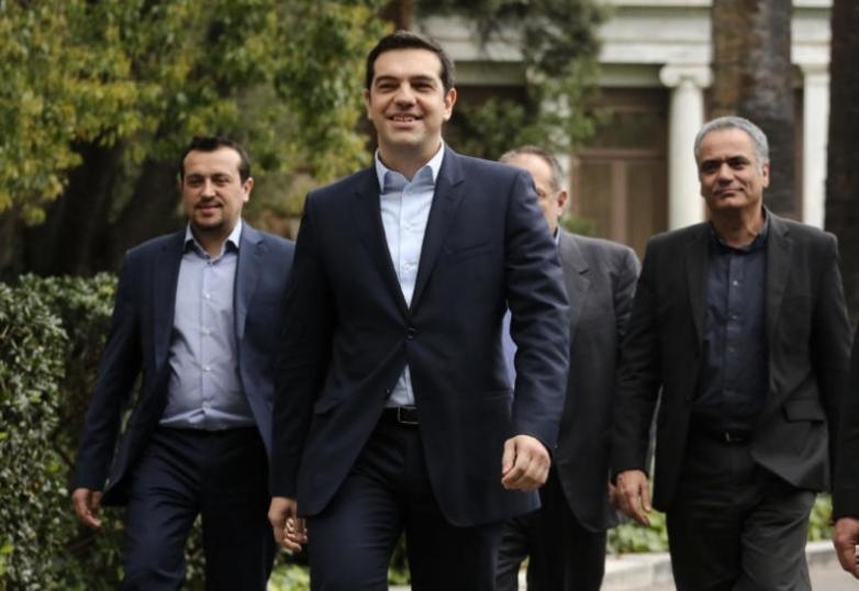 Δύο διαφορετικοί κόσμοι: Από την ορκωμοσία του ΣΥΡΙΖΑ το 2015, στην νέα κυβέρνηση ΝΔ το 2019