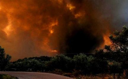 Δύσκολη νύχτα για τα χωριά της Κύμης-Μαίνεται η πυρκαγιά