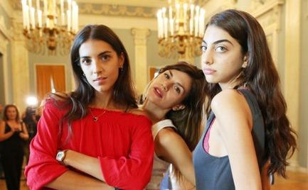 Η παράσταση «Κούκλες» του Ίψεν με τις Καζαριάν-Βέλλη έκανε πρεμιέρα (video)