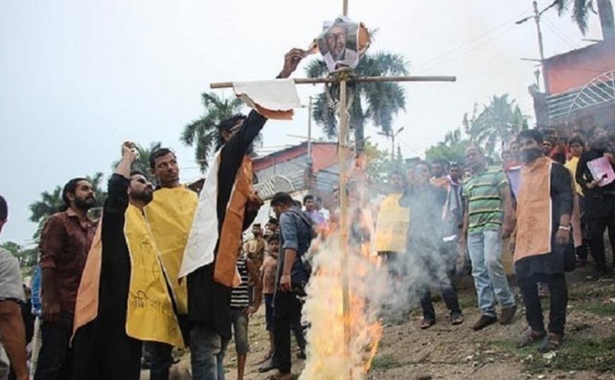 Θανατική ποινή για 16 άτομα που φέρεται να έκαψαν ζωντανή μαθήτρια στο Μπαγκλαντές