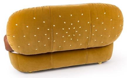Θα αγοράζατε ποτέ έναν καναπέ hot dog για το σπίτι σας;