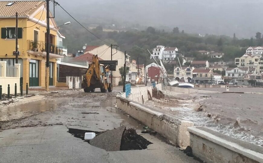 Ιανός: «Κυκλώνει» την Αττική