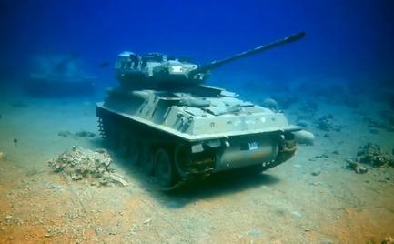 Ιορδανία: Υποβρύχιο μουσείο στρατιωτικών οχημάτων (video)