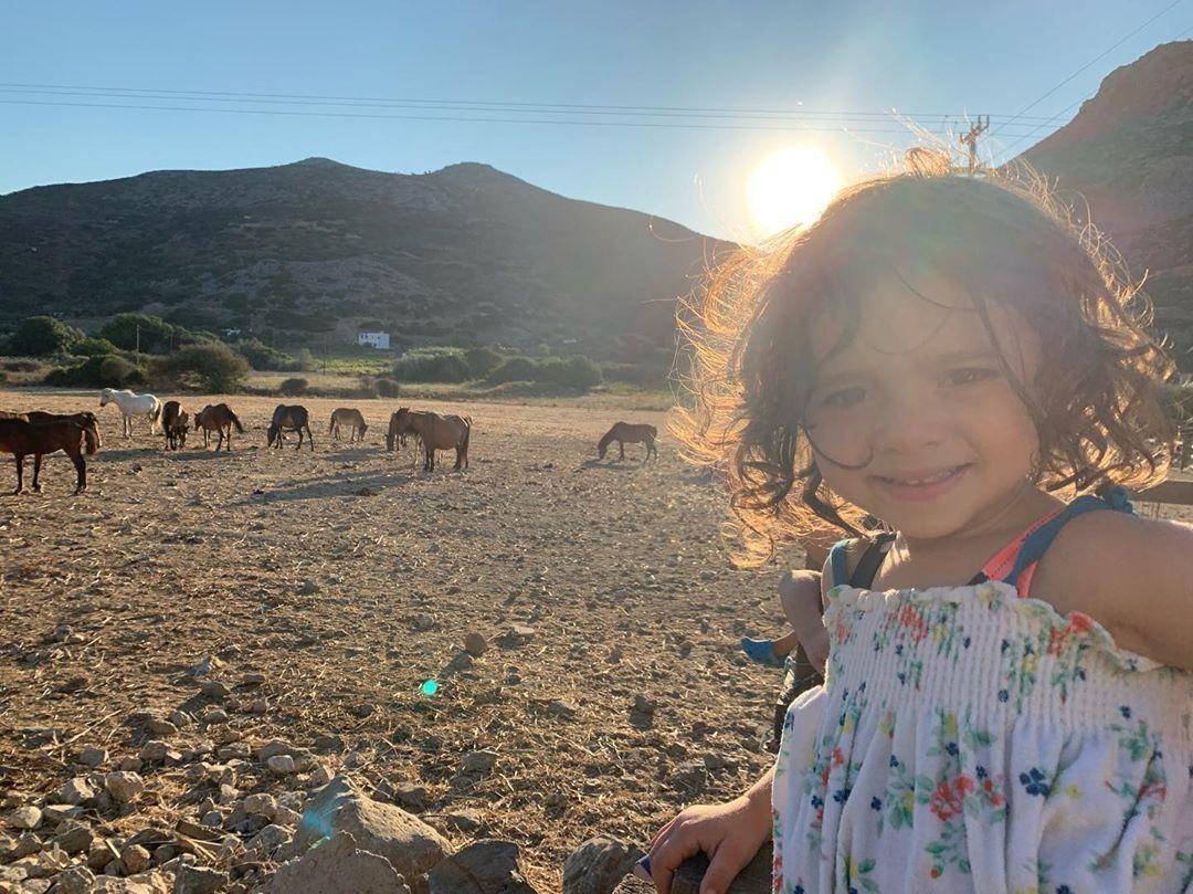Καλομοίρα: Οι υπέροχες φωτογραφίες των παιδιών της από τις διακοπές τους στην Ελλάδα