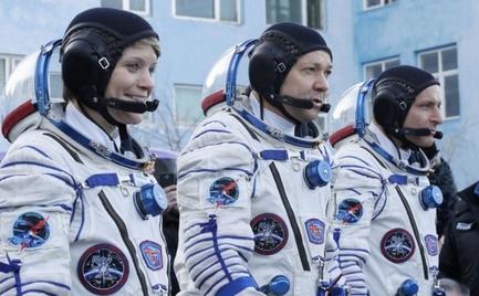 Καρέ καρέ η επιστροφή τριών αστροναυτών από τον ISS (video)
