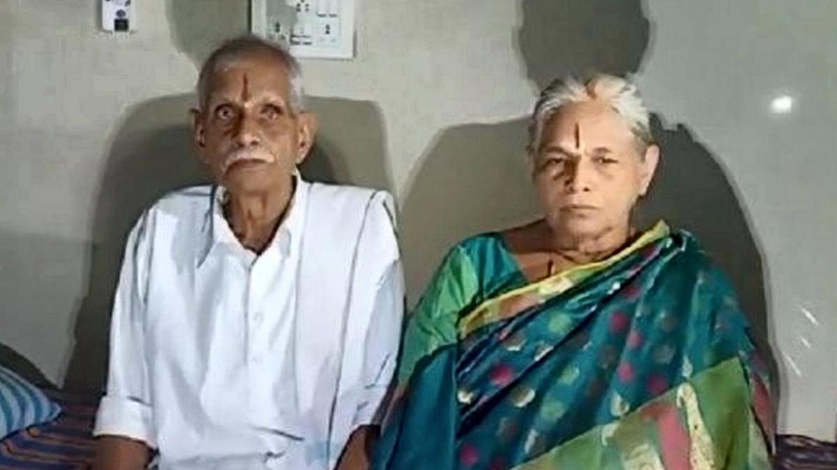 Μία 73χρονη γυναίκα έφερε στον κόσμο δίδυμα κοριτσάκια