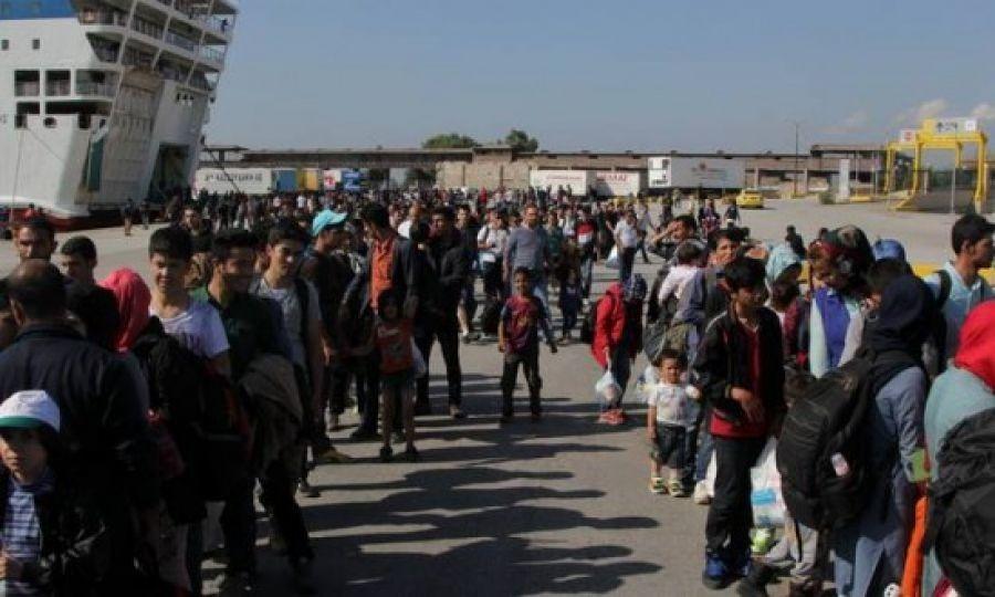 Μεταναστευτικό: Απόβαση εκατοντάδων προσφύγων και μεταναστών στον Πειραιά