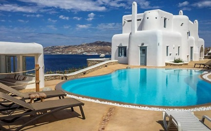 Μύκονος: VIP τουρίστας άφησε φέσι 129.800 ευρώ