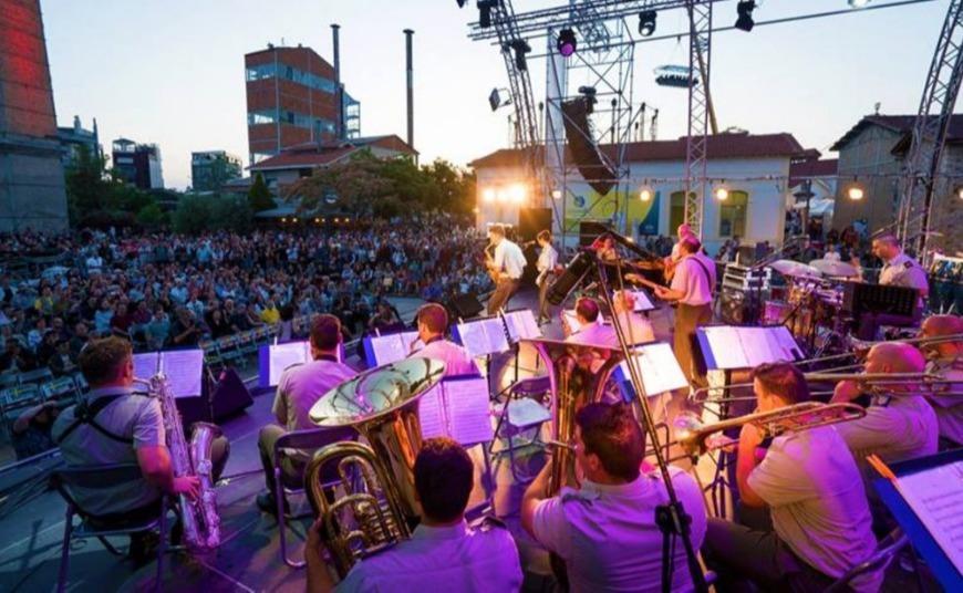 «Ξανά 1999»: Η Τεχνόπολη γιορτάζει 20 χρόνια με τα τραγούδια που κυκλοφόρησαν εκείνη τη χρονιά