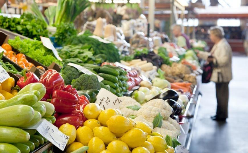 Οι μισοί Έλληνες λένε όχι σε φρούτα και λαχανικά