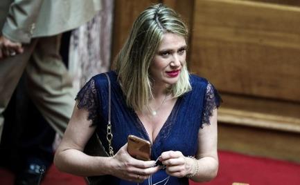 Ορκωμοσία - Βουλή: Έγκυος η Άννα Ευθυμίου κλέβει την παράσταση