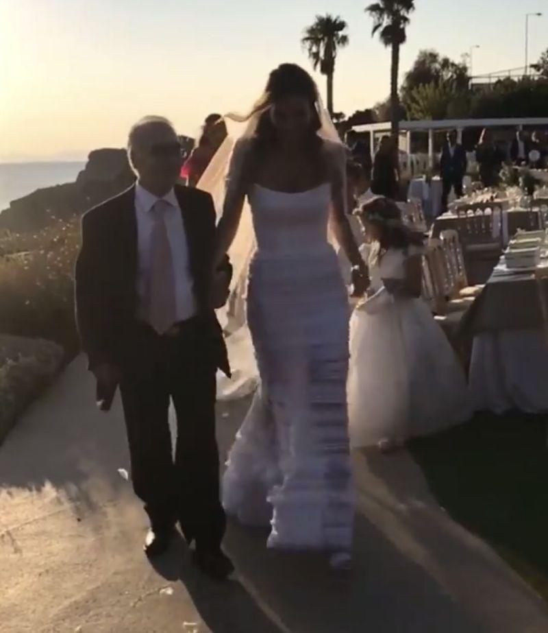 Παντρεύτηκε η Δήμητρα Λαζαράτου