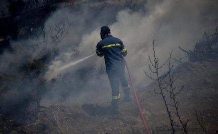 Πυρκαγιά Θήβα: Κρίσιμη η κατάσταση - Κινείται με μεγάλη ταχύτητα