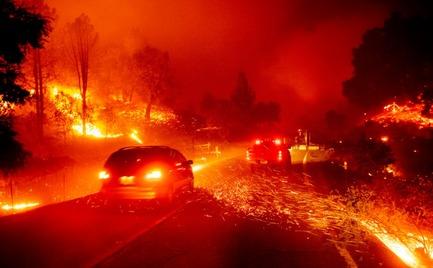 Πύρινη κόλαση στην Καλιφόρνια