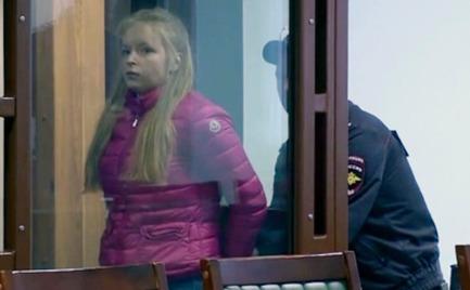 Ρωσία: Στη φυλακή 22χρονη που σκότωσε την αδερφή της με 189 μαχαιριές
