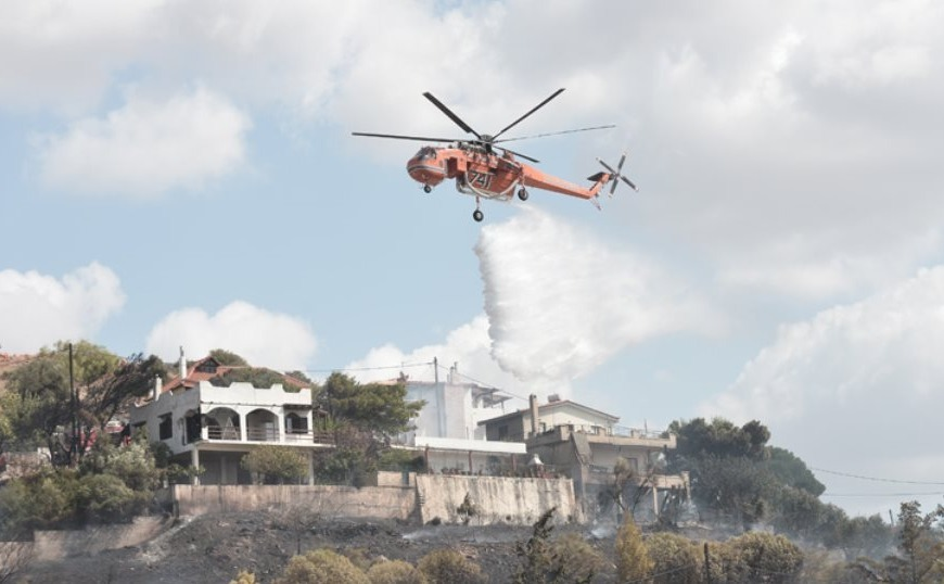 Σε ύφεση η φωτιά στο Λαγονήσι (video)