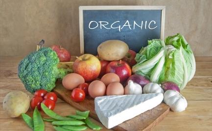 Τα τρόφιμα που πρέπει πάντα να αγοράζεις βιολογικά