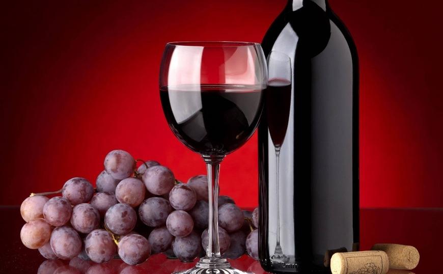 Το κόλπο για να μην πετάξεις το κρασί που περίσσεψε