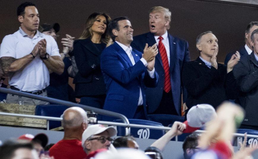 Τραμπ: Αποδοκιμάστηκε σε αγώνα Μπέιζμπολ (video)