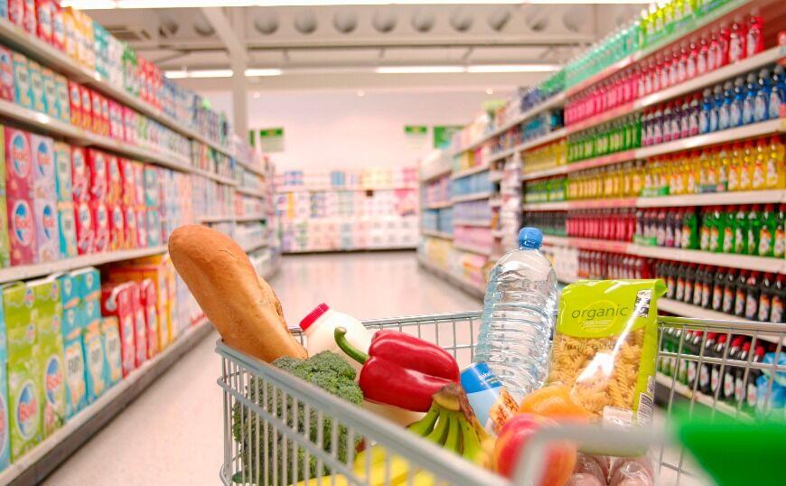 Black Friday: Πρωταγωνιστούν στις εκπτώσεις και τα σούπερ μάρκετ