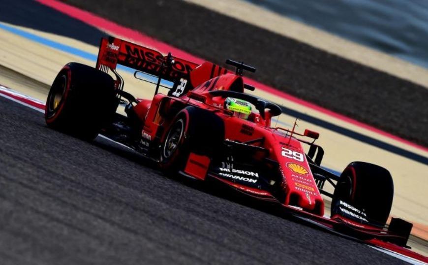 F1: Άνθρωποι της Ferrari βρήκαν μετανάστες στο φορτηγό τους