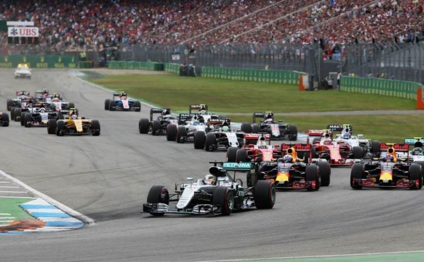 F1 Γερμανικό GP : Ο Max  Verstappen κέρδισε έναν χαοτικό βρόχινο αγώνα