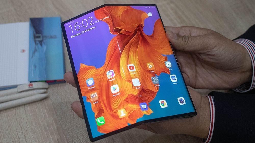 Motorola RAZR: Το νέο foldable smartphone
