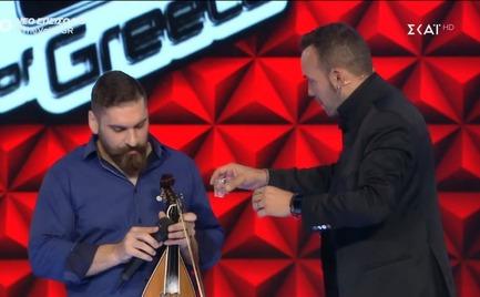 The Voice: Κέρασε ρακές τους κριτές (video)